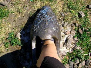 Бронзовая туфелька в Уварово Тамбовской области. Фото Юлии Руденко.