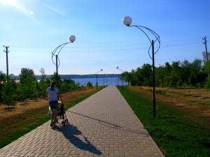 Дорога на набережную Николаевска. Фото Юлии Руденко.