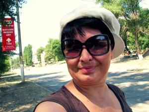 Юлия Руденко в Жирновске. Третий день путешествия автостопом. Селфи.