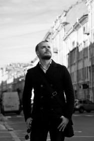 Алексей Брындин, популярный песенный автор и исполнитель.
