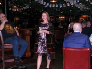 Лиза Киселёва на показе Ланы Киселёвой в джаз-клубе Алексея Козлова. Фото Юлии Руденко.