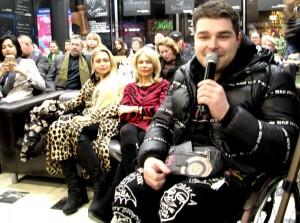Инвалид Альберт на презентации книги Ламы Сафоновой. Фото Юлии Руденко.